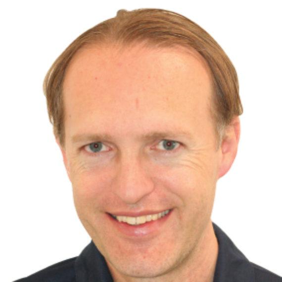 Dott. Emanuele Nespoli, Medico Chirurgo specialista in Chirurgia Plastica Ricostruttiva ed Estetica presso Poliambulatorio Ferrario Sesto San Giovanni Milano