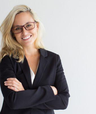 Denti bianchi per il successo nella vita privata e professionale: l'importanza dello sbiancamento dentale
